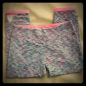 Other - Multicolored Capri leggings